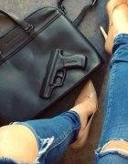 poszukiwana torba z pistoletem