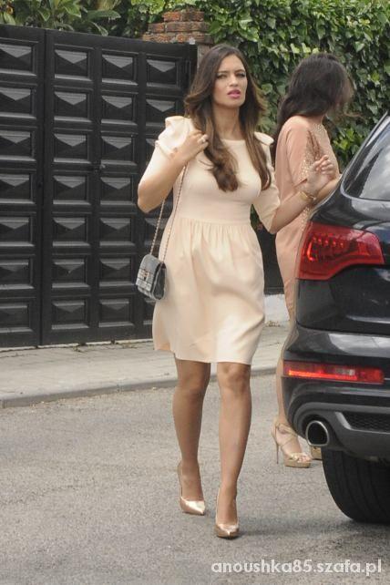 sukienka z bufkami jak sary