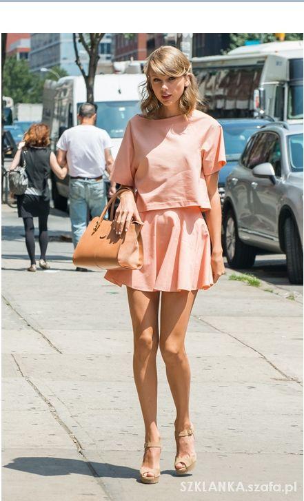 Taylor Swift 41...