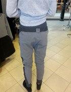 Spodnie dresowe by o la la