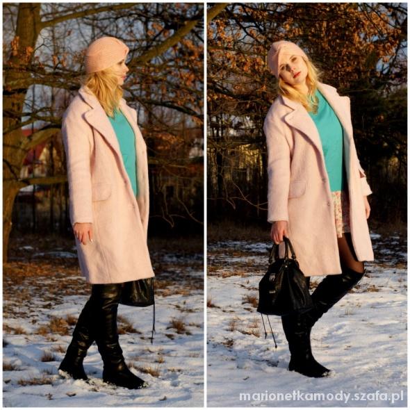 Blogerek różowy płaszcz
