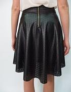 ażurowa spódnica zip rozkloszowana asymetryczna...