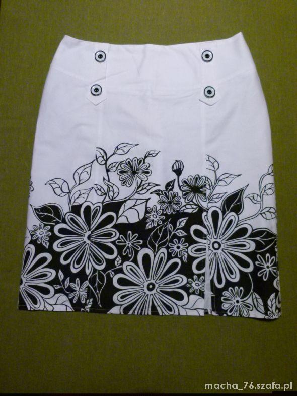 Spódnice Biało czarna oliwkowa spódnica w kwiaty