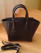 czarny kuferek nowy