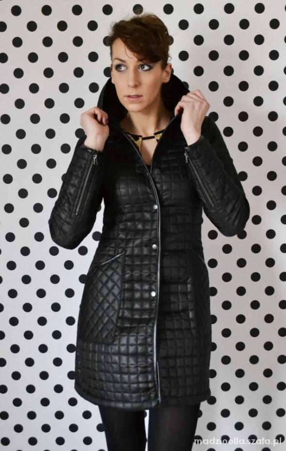Ubrania Płaszcz Mosquito Czarny Pikowany M