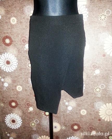 Spódnice H&M spódnica 36 S czarna tłoczony wzór asymetryczn