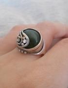 Pierścionek WARMET z zielonym kamieniem