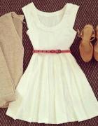 Sukienka biała klosz...