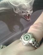 zielone oko w srebrze...