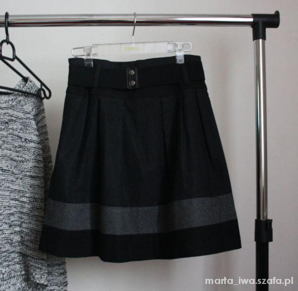 Spódnice Spódnica rozkloszowana reserved XS S