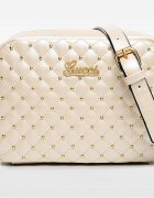 Torebka Gucci pikowana ze złotymi ćwiekami perłowa