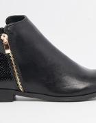 Reserved czarne botki ze złotymi suwakami
