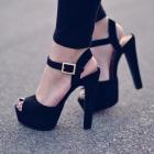 sandały na słupku bata
