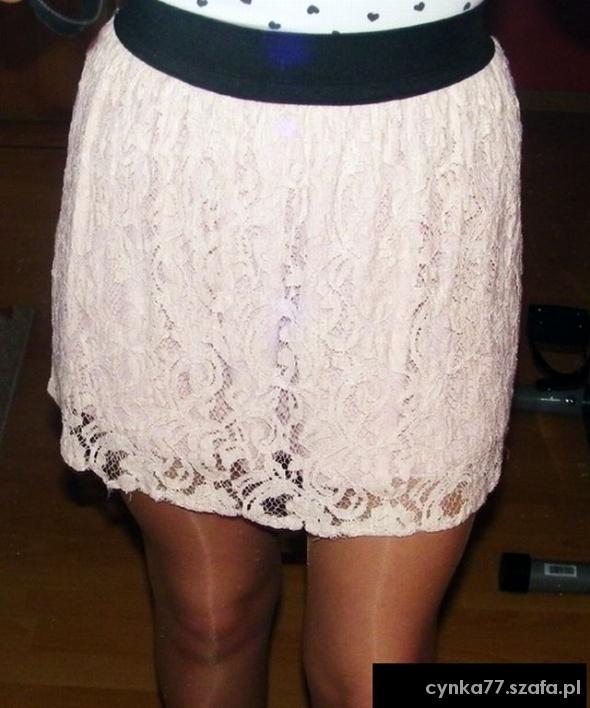 Spódnice Spódniczka w kolorze pudrowego różu