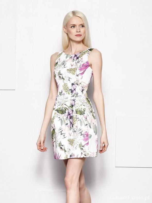 Sukienka z zakładkami w kwiaty MOHITO xs 34 pilne