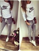 Szary dres Nike