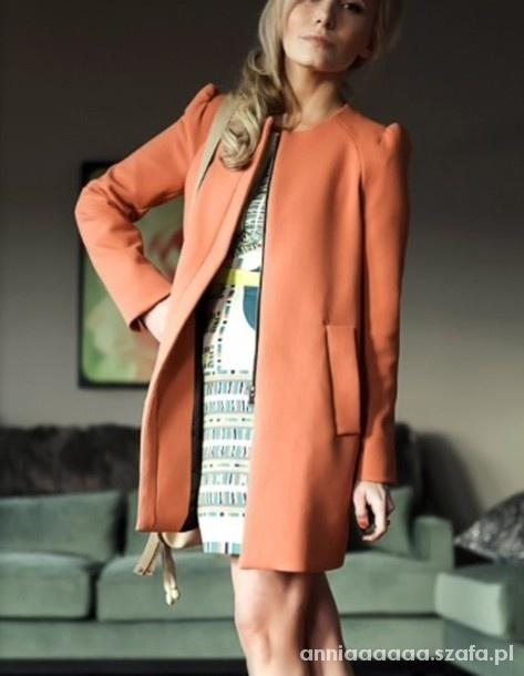 Brzoskwiniowy płaszcz ZARA
