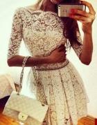 Sukienka Koronkowa biala lekko rozkloszowana