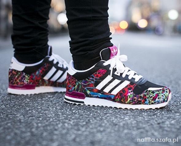 Kolorowe buty Adidas ZX 700 w Sportowe Szafa.pl