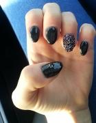 Moje paznokcie hybrydowe czerń