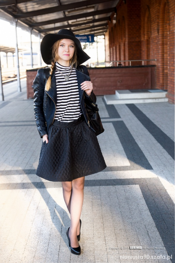 Striped top & Flared skirt