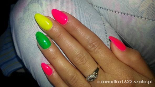paznokcie neonki