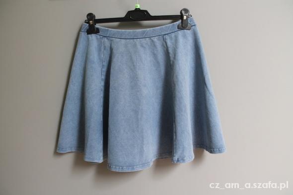 Spódnice Spódniczka S M