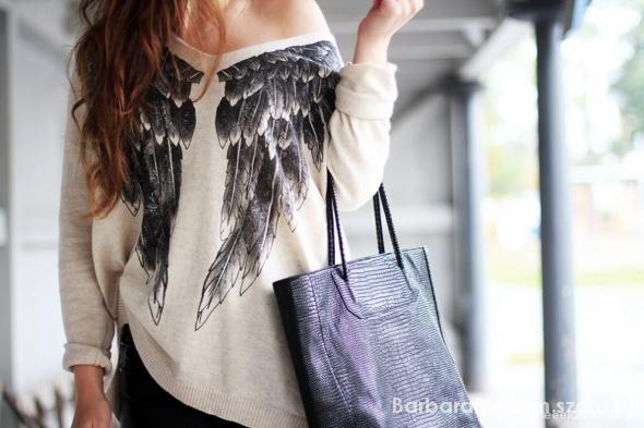 bluzka ze skrzydłami...