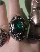 srebrny pierścień Arabeli...