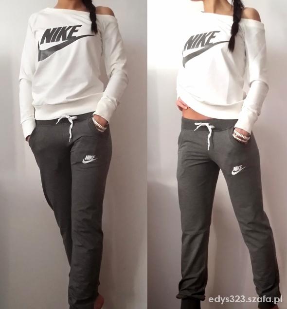 Dres damski Nike w Dresy Szafa.pl