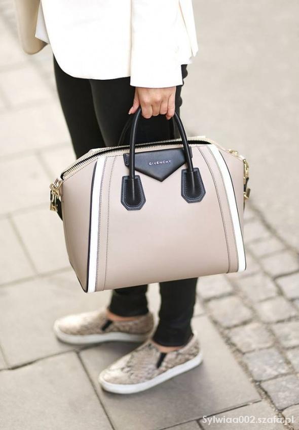 Torebka Givenchy...
