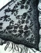 Koronkowa różana chusta gotycka...