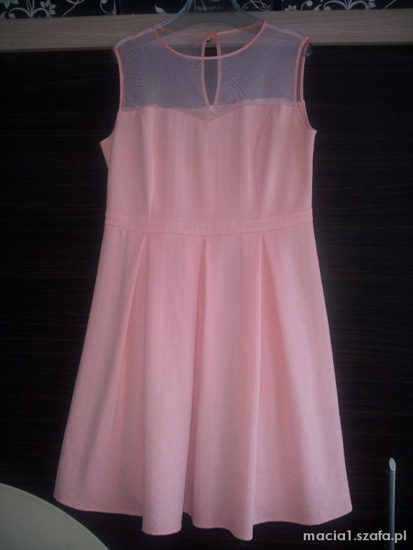 Rozkloszowana sukienka z siateczką rozm 44 46