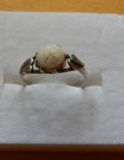 srebrny pierścionek koral...