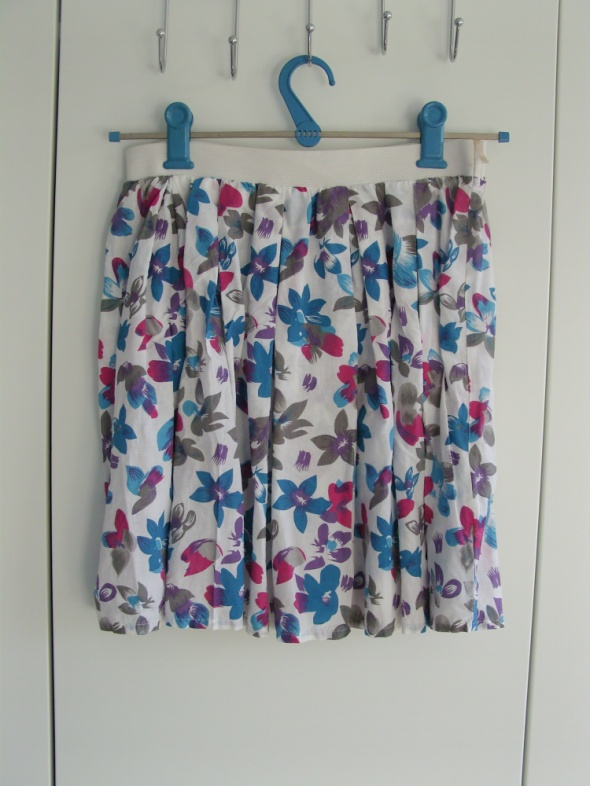 Spódnice Spódniczka w kwiaty rozm S