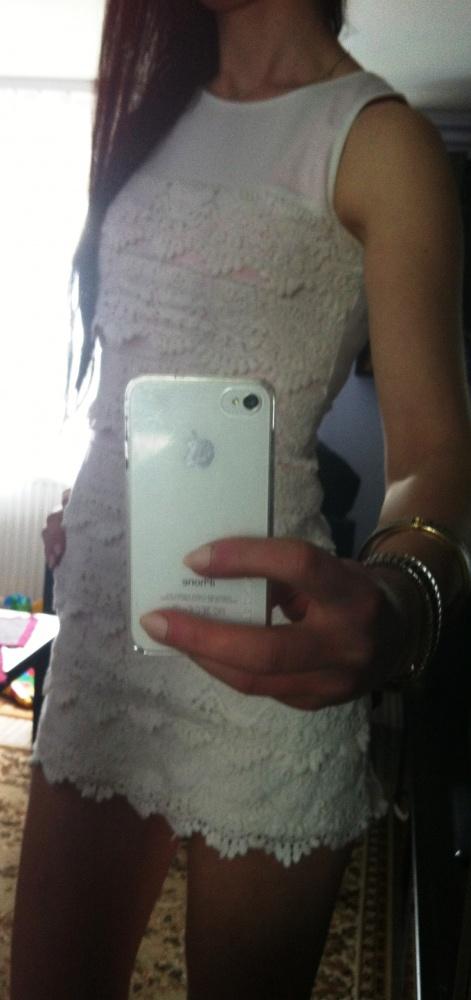 Eleganckie koronkowa biała mini sukienka