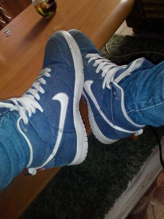 NIKE JEANS...