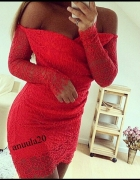 Koronkowa sukienka odkryte ramiona