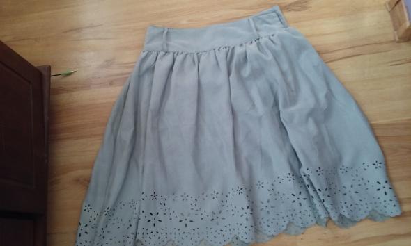 Spódnice piękna rozkloszowana szara M