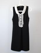 Atmosphere czarna sukienka żabot