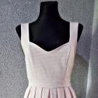 sukienka rozkloszowana serce na plecach
