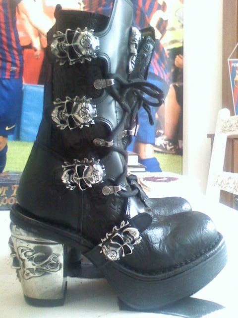 New Rock womens boots flovers skulls