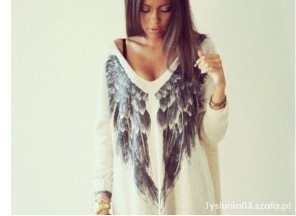sweterek z nadrukiem skrzydełek...