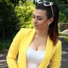 Żółty żakiet