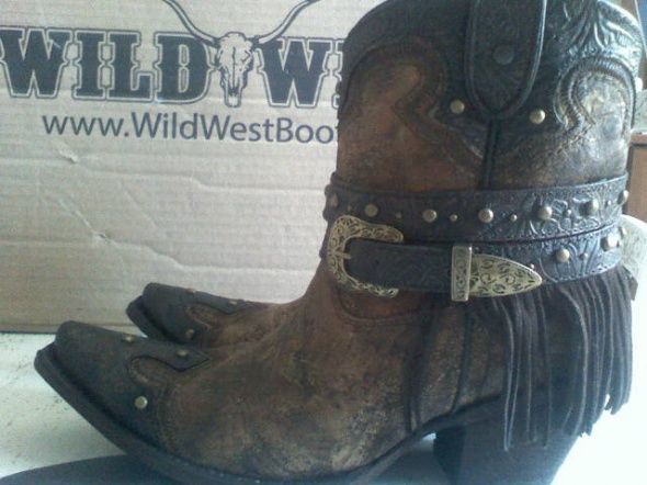 Corral boots kowbojki krótkie frędzle