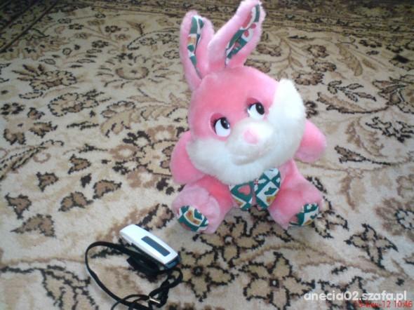 Zabawki Pluszowy króliczek