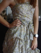 Sukienka w kwiaty XS S