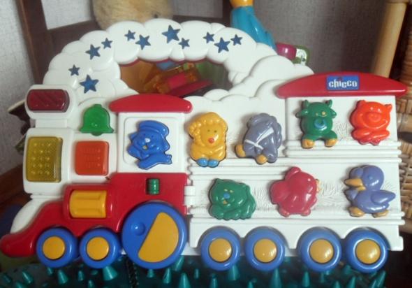 Zabawki Chicco grający pociąg interaktywny odgłosy