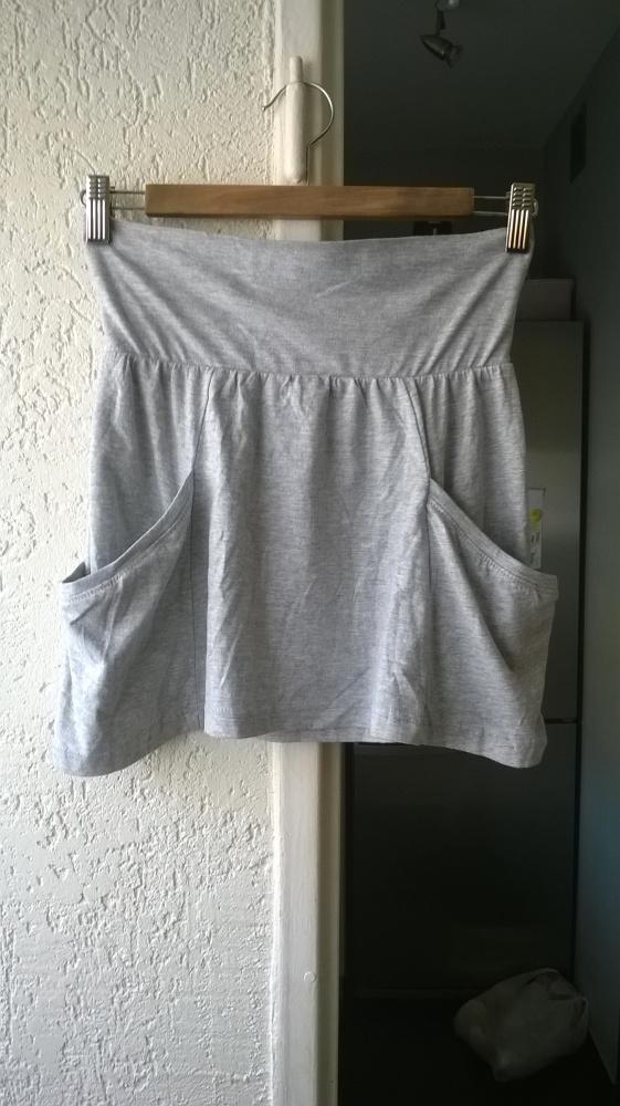 Spódnice Szara nowa dresowa spódnica mini Denim CO S