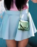 Mini spódniczka & białe buty